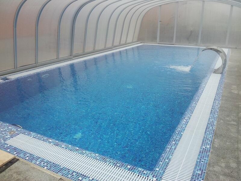 Переливной бетонный бассейн (15х7x1,2-1,8 м) - 1